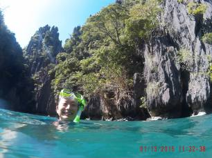 Snorkeling in El Nido. Unreal blue waters!