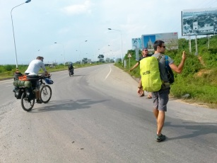 Hitchhiking to Huay Xai, Laos