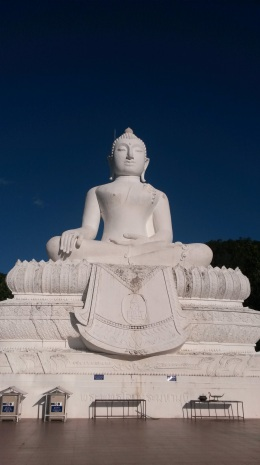 Buddha on the hill pai