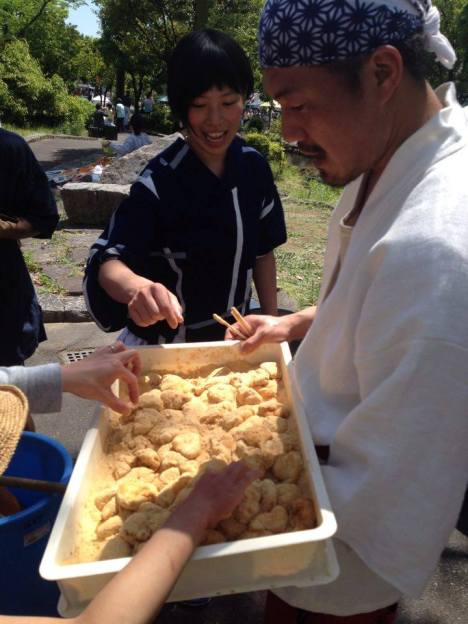 Helped make this mochi by smashing the sticky rice! Then paraded around the festival with drums giving the rice cakes away