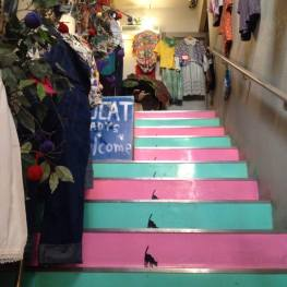 The cat staircase led me into this vintage shop