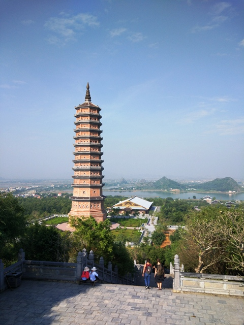 bai dinh temple tower view