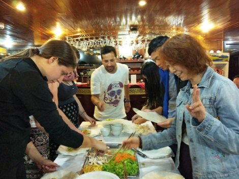 legacy-cruise-spring-roll-making
